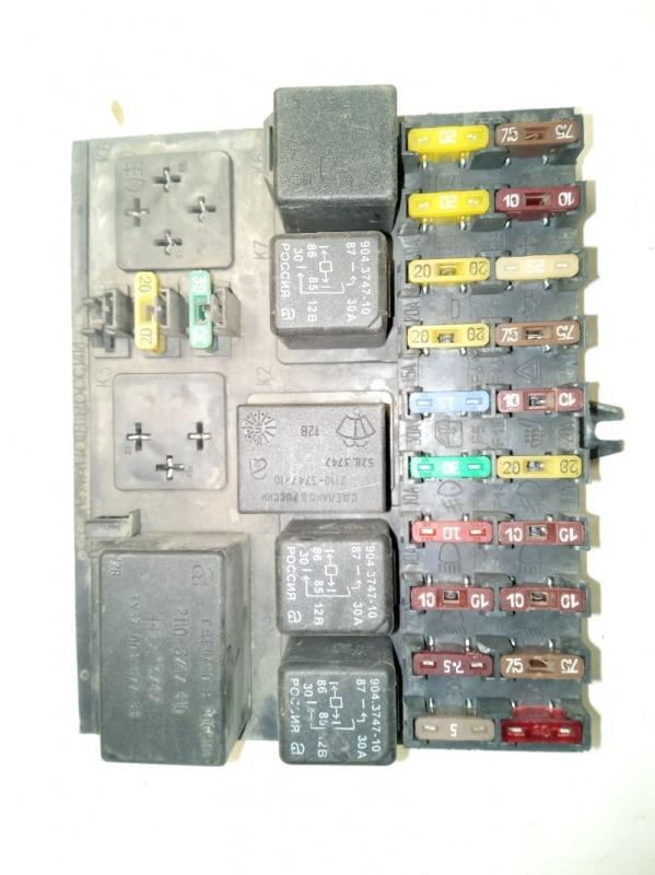 Блок предохранителей Ваз 2110 1.5 8V 2004 (б/у)