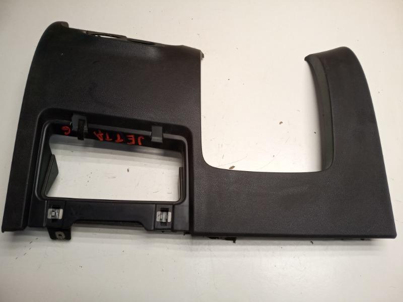 Накладка под торпедо Volkswagen Jetta 6 1.4 CAXA 2011 (б/у)