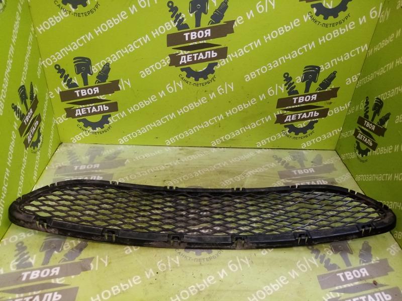 Решетка в бампер Bmw E90 Рестайлинг (б/у)