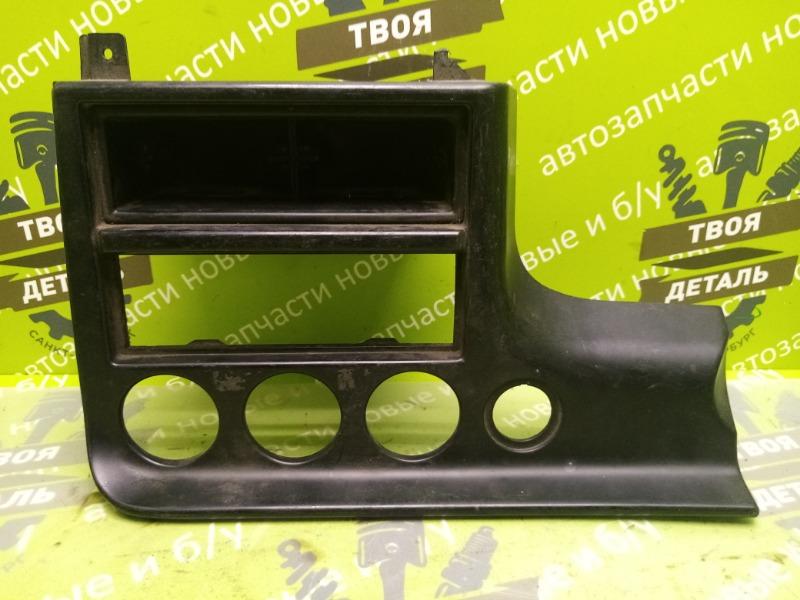 Рамка магнитолы Ford Mondeo 2 СЕДАН 1.8-2.0 БЕНЗИН (б/у)