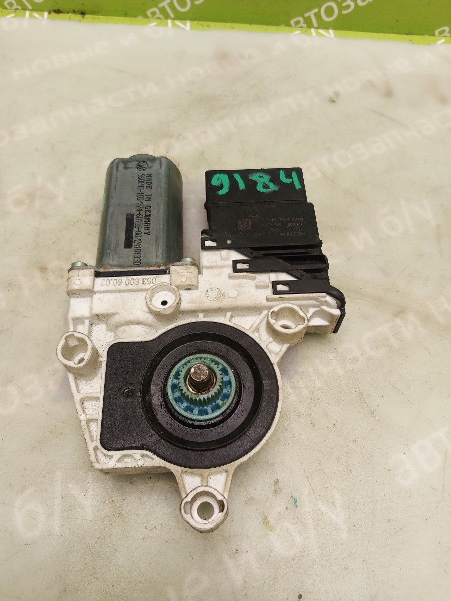 Моторчик стеклоподъемника Volkswagen Jetta 6 1.4 CAXA TSI 2011 задний левый (б/у)