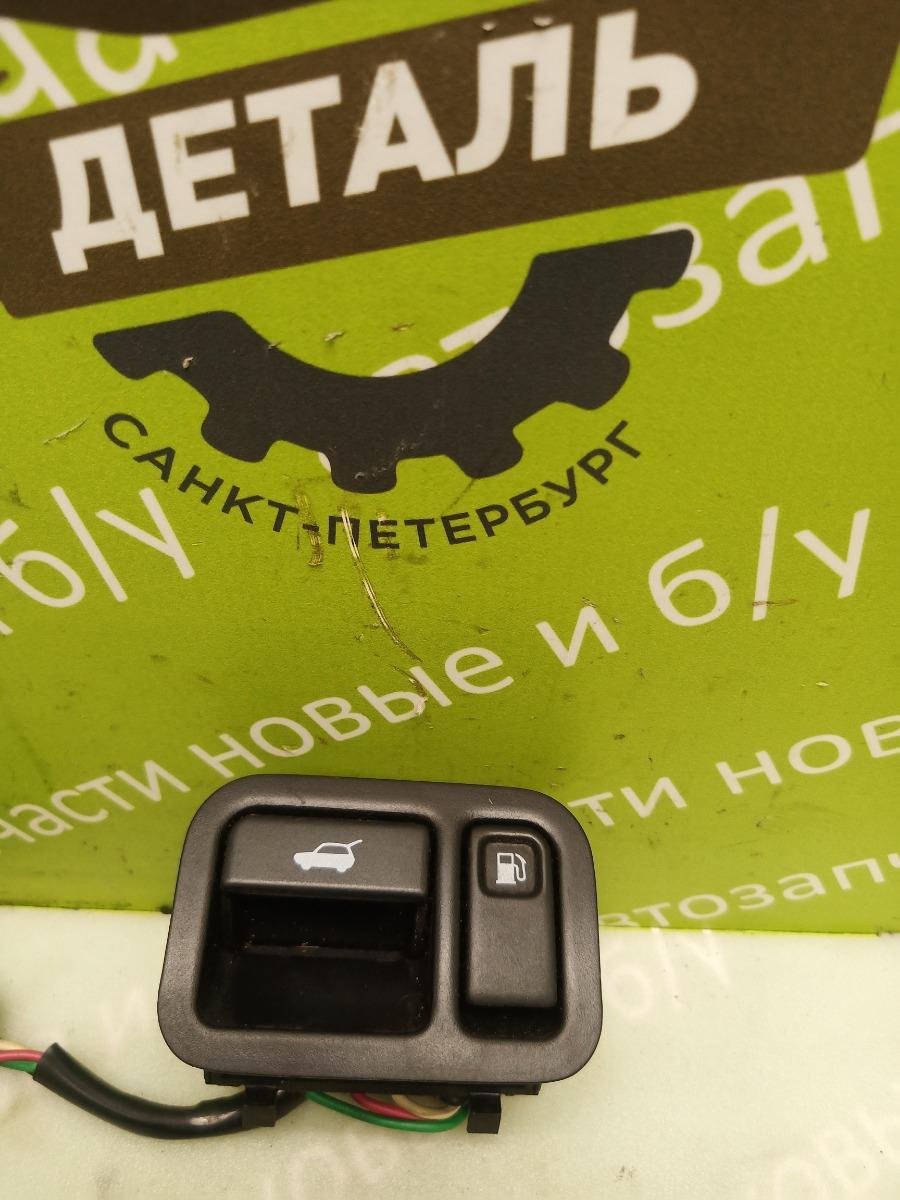 Кнопка открывания багажника Nissan Terrano Pathfinder R50 ZD30DDTI 3.0 2003 (б/у)