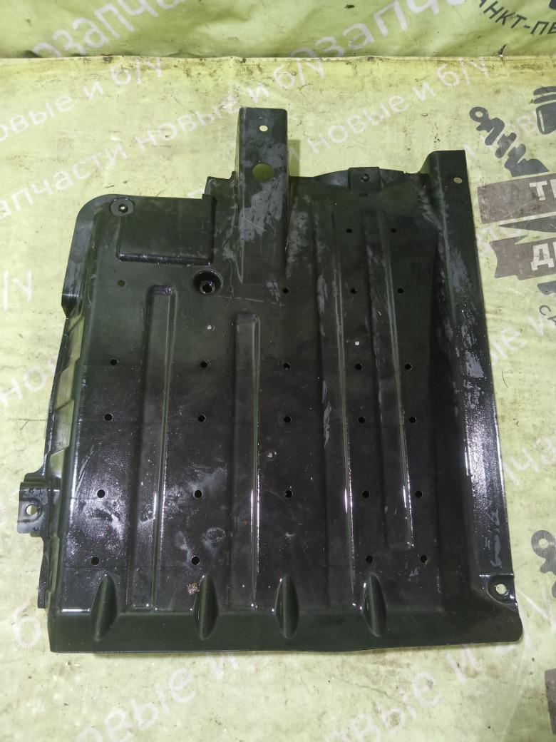 Защита антигравийная Hyundai Ix35 2.0 G4KD 2012 левая (б/у)