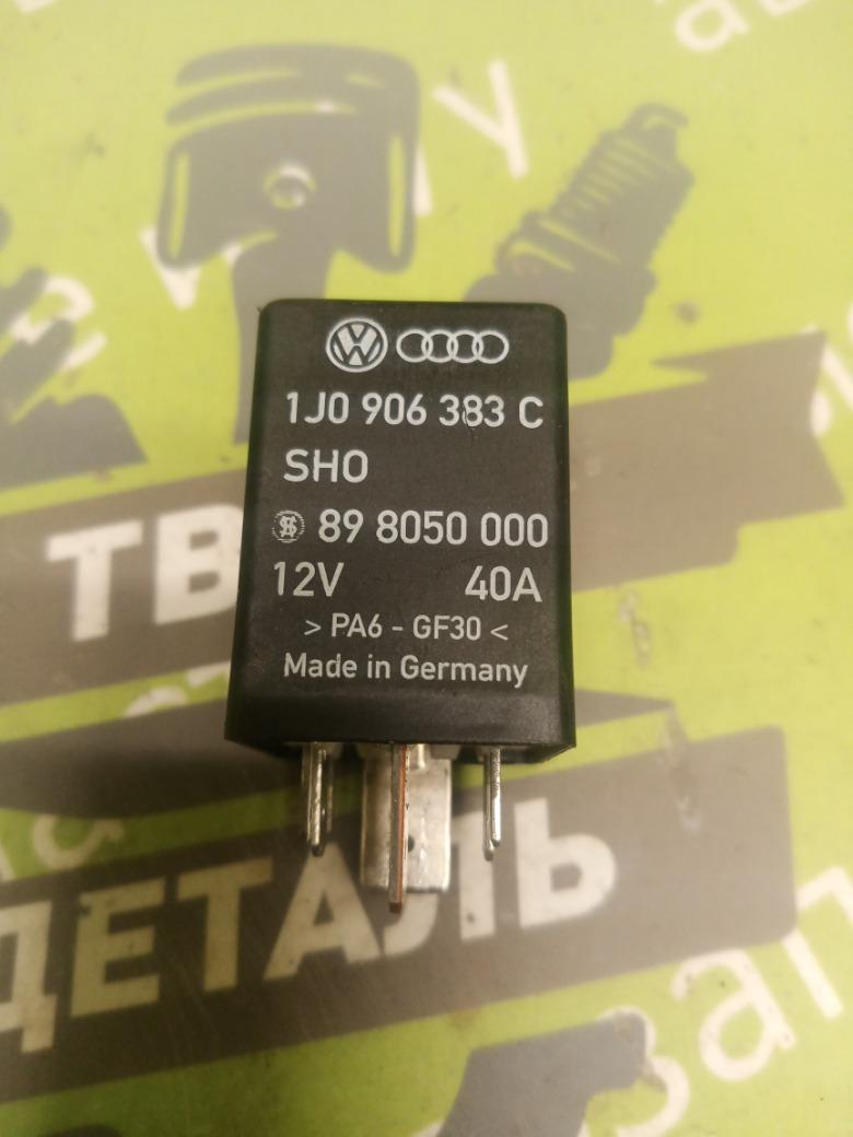 Реле топливного насоса Skoda Octavia A4 ЛИФТБЕК 1.4 BCA 2006 (б/у)