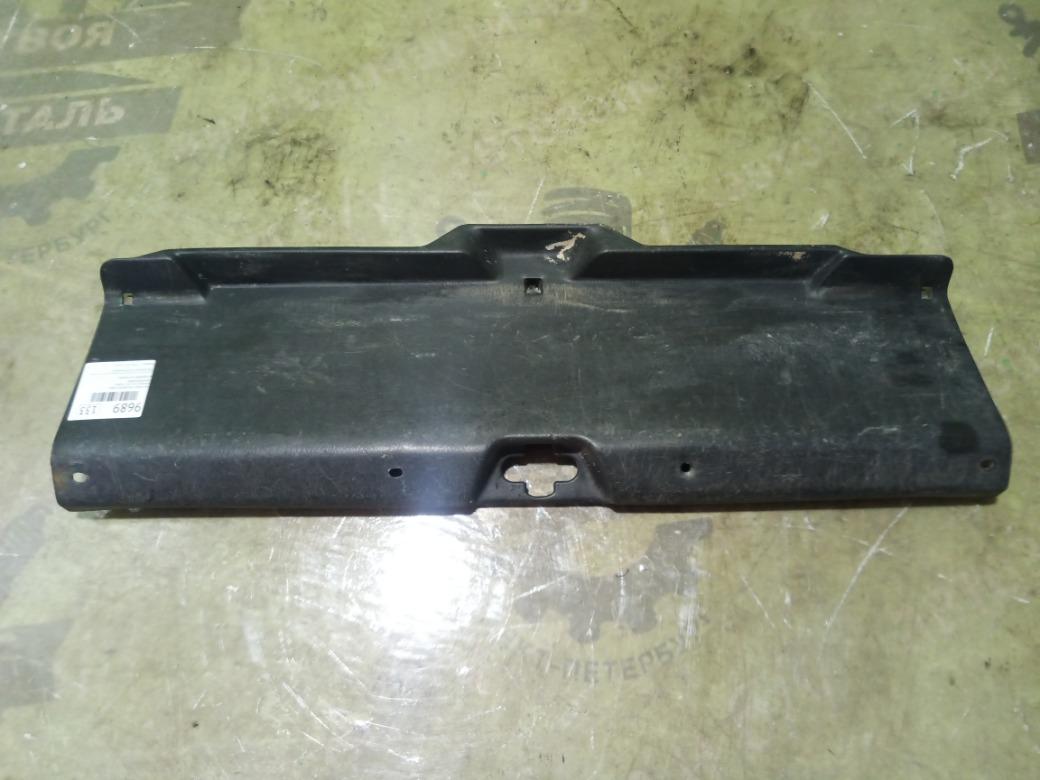 Накладка багажника Honda Integra Ek3 СЕДАН 1998г.в. задняя (б/у)