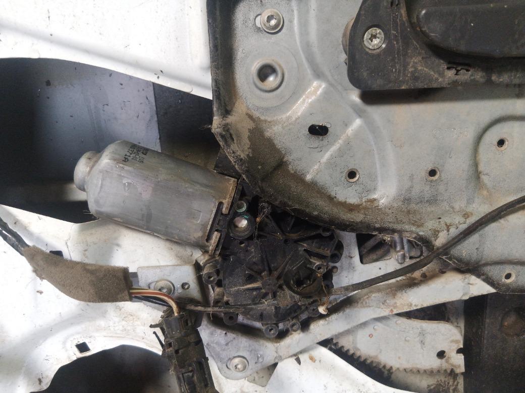 Стеклоподъемник Renault Laguna K4M 1.6 1998 передний правый (б/у)