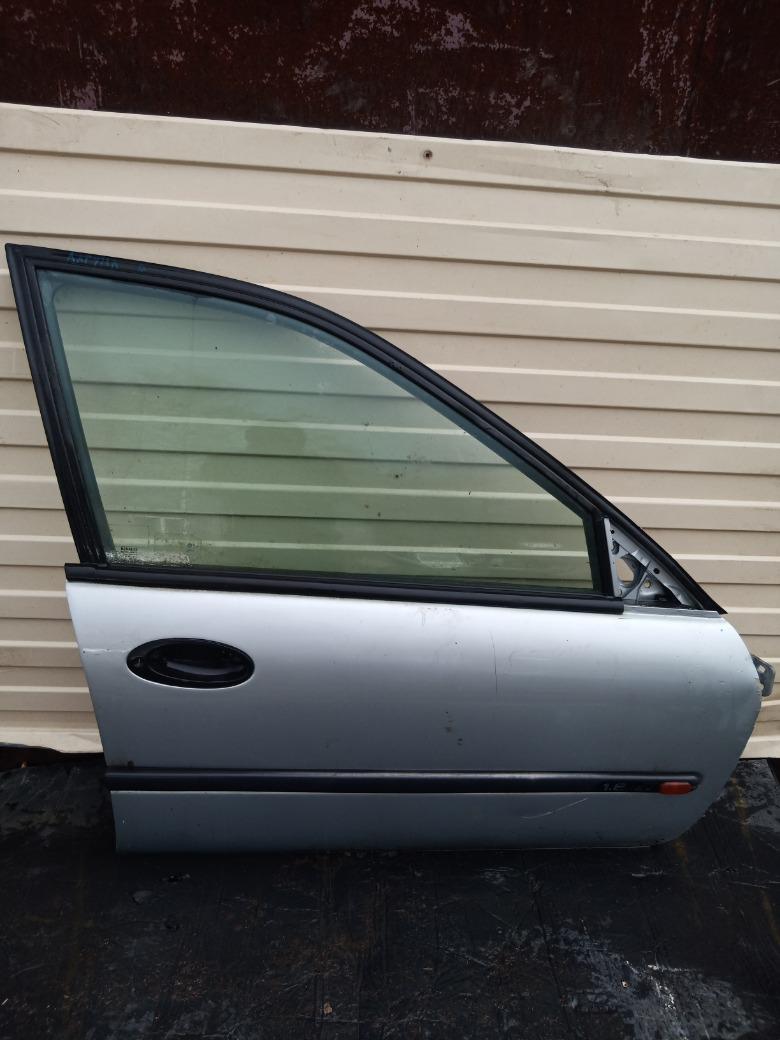 Дверь Renault Laguna K4M 1.6 1998 передняя правая (б/у)