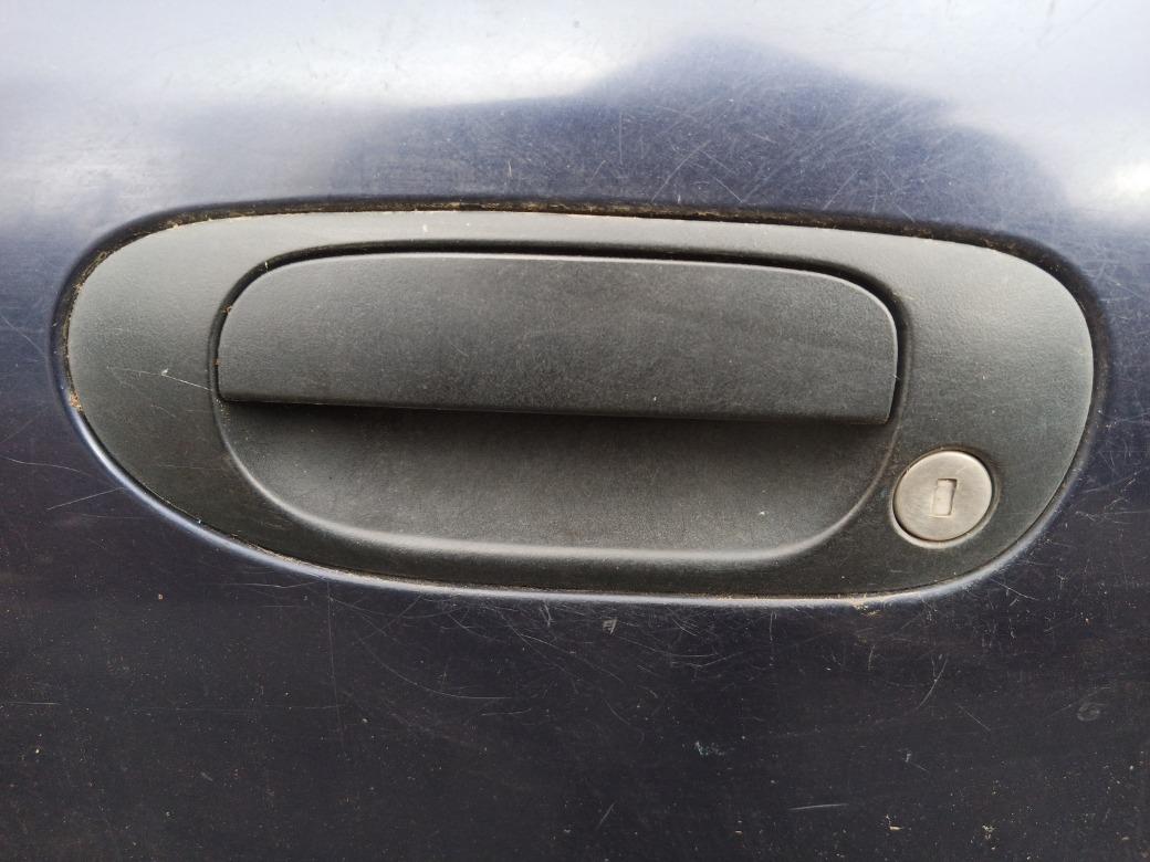 Ручка двери наружняя Mitsubishi Carisma ЛИФТБЕК F8QT 1.9 1998г.в. передняя левая (б/у)
