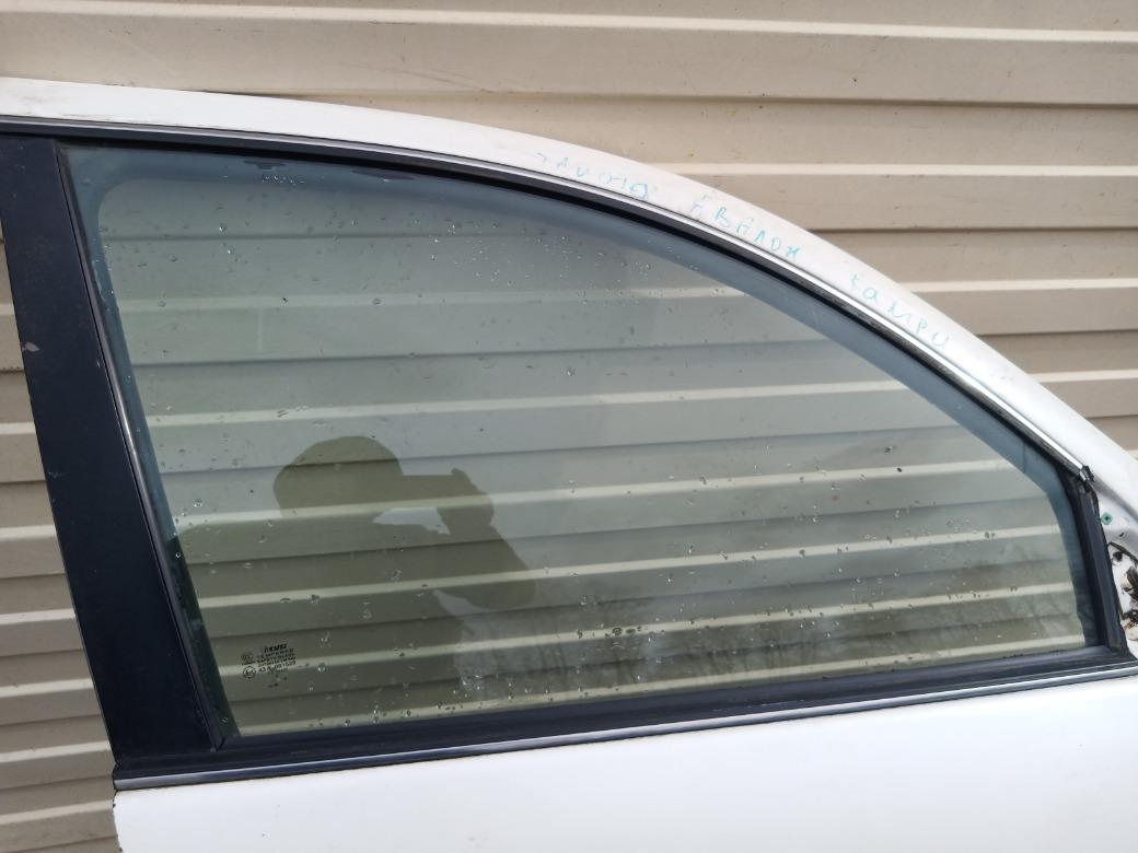 Стекло двери Toyota Avalon 3.0 1MZFE 1995 переднее правое (б/у)