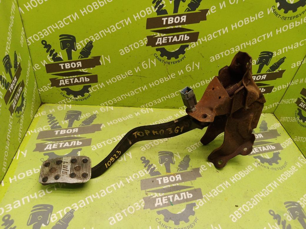 Педаль тормоза Nissan Patrol Y61 3.0 ZD30 2007 (б/у)