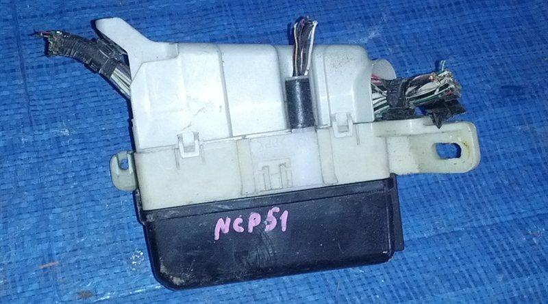 Блок предохранителей Toyota Probox NCP51 (б/у)