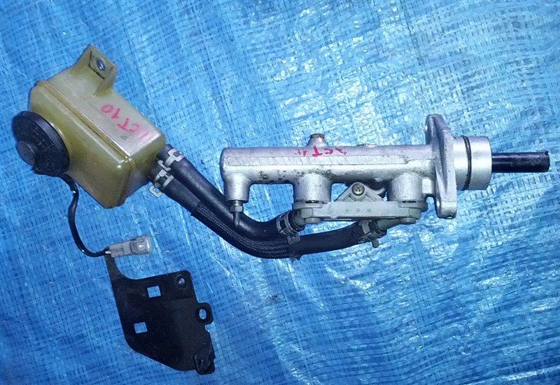Главный тормозной цилиндр Toyota Opa ACT10 (б/у)