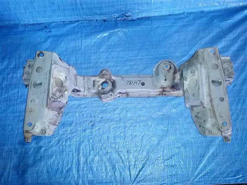 Балка под двс Toyota Hiace LH186 (б/у)