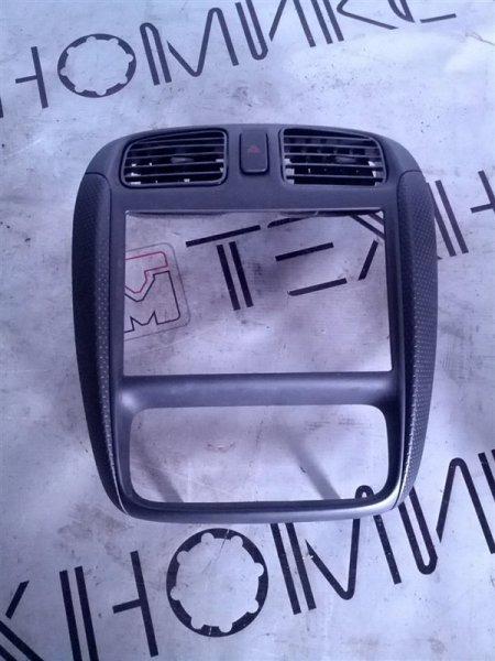 Рамка магнитофона Mazda Demio DW3W (б/у)