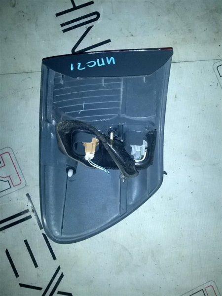 Стоп-сигнал Toyota Ipsum ACM21W правый (б/у)
