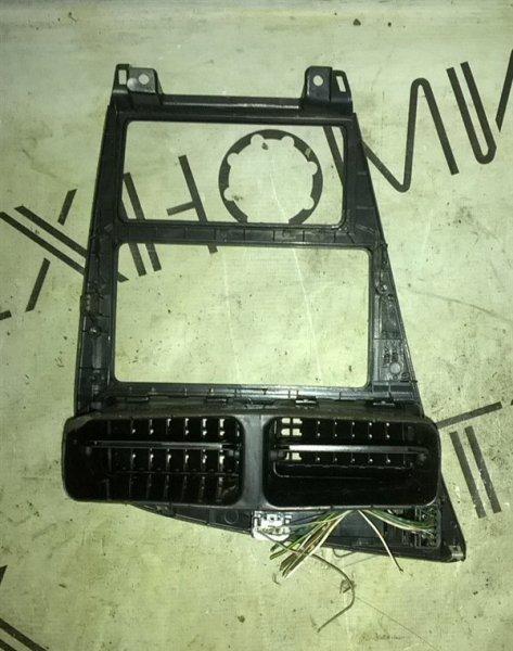Рамка магнитофона Toyota Curren ST206 (б/у)