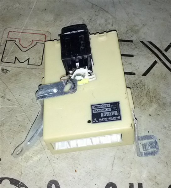 Блок управления акпп Mitsubishi Grandis NA4W (б/у)