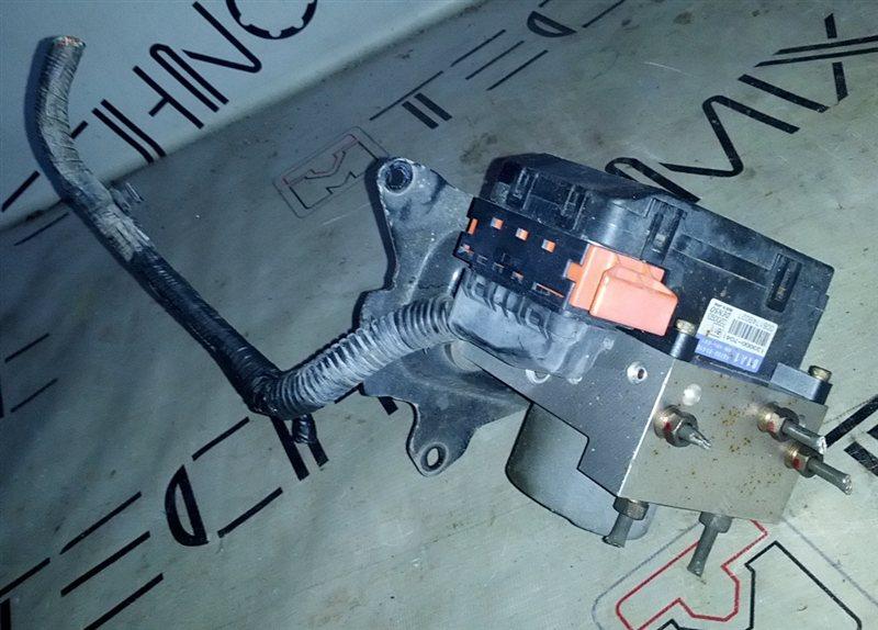 Блок abs Suzuki Jimny JB23W (б/у)