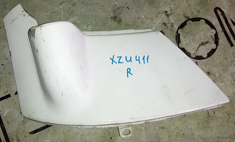 Щека Toyota Dyna XZU411 S05D правая (б/у)