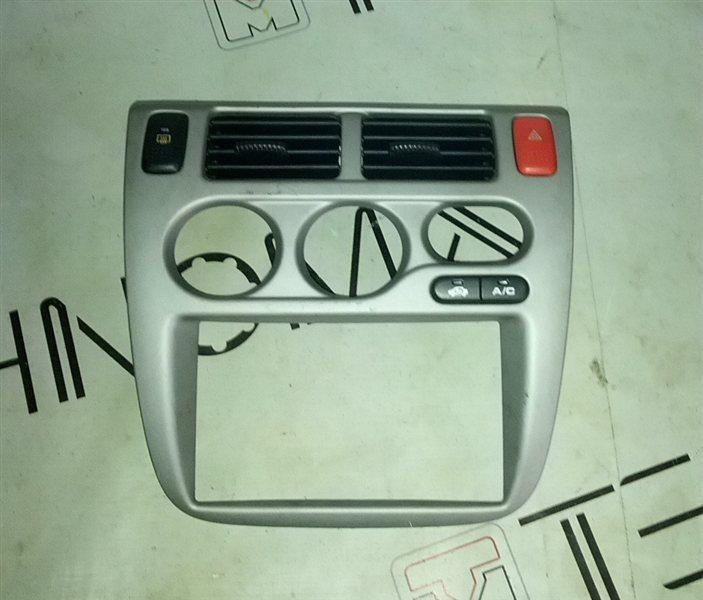 Рамка магнитофона Honda Hrv GH3 (б/у)