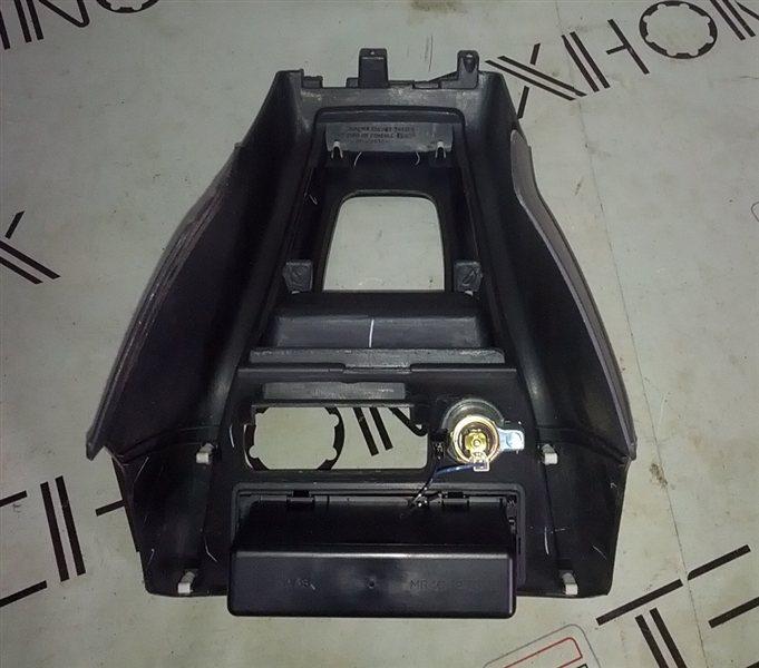 Рамка рычага переключателя автомата Mitsubishi Pajero Io H66W (б/у)