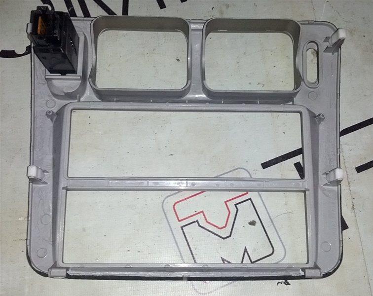 Рамка магнитофона Mitsubishi Pajero Io H66W (б/у)