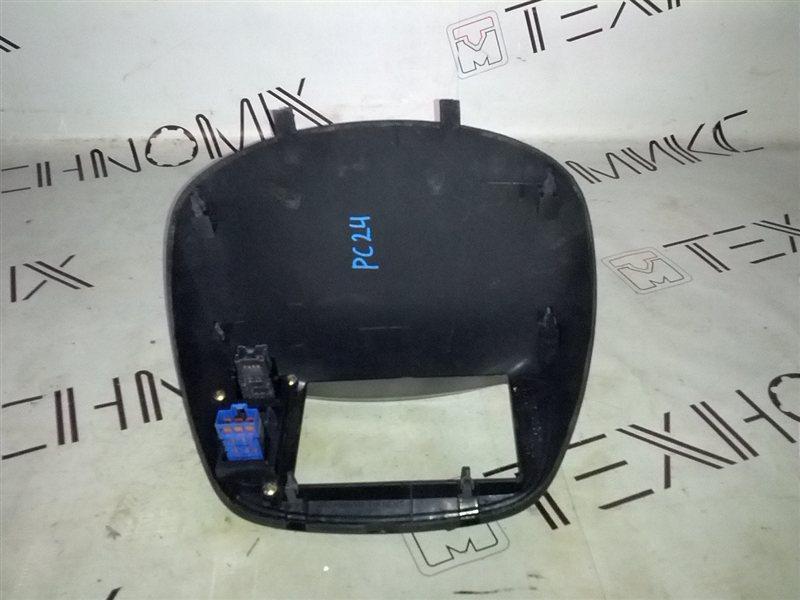 Рамка магнитофона Nissan Serena PC24 (б/у)