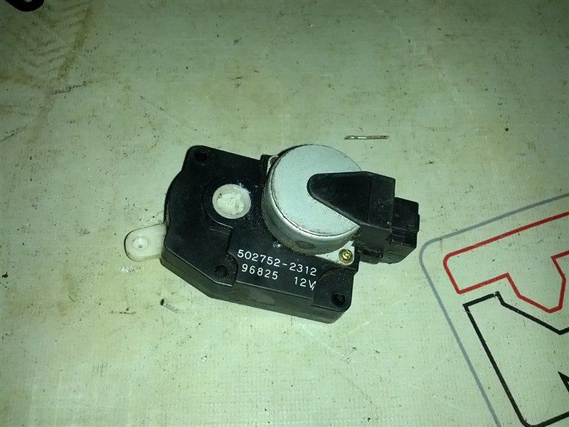 Сервопривод заслонок печки Nissan Serena PC24 (б/у)