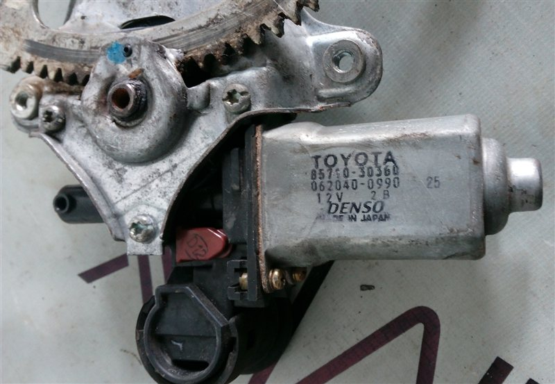 Стеклоподъемник Toyota Crown JZS171 передний правый (б/у)