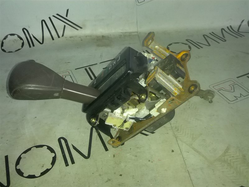 Селектор акпп Toyota Markii GX90 (б/у)