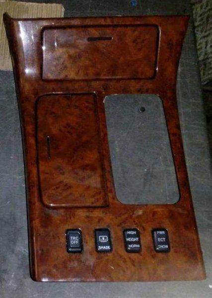 Рамка рычага переключателя автомата Toyota Crown Majesta UZS171 (б/у)