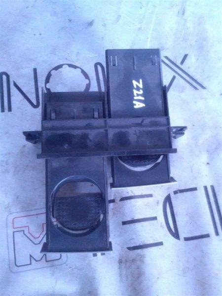 Подстаканник Mitsubishi Colt Z21A (б/у)