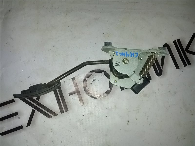 Педаль подачи топлива Mitsubishi Airtrek CU4W (б/у)