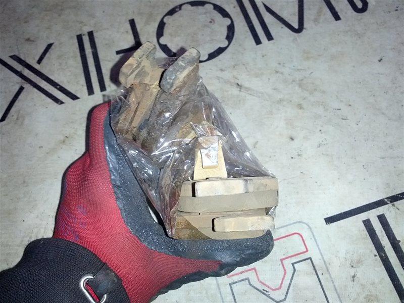 Тормозные колодки Mazda Demio DY5W ZY-VE заднее (б/у)