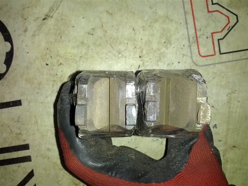 Тормозные колодки Mazda Mpv LWFW AJ заднее (б/у)
