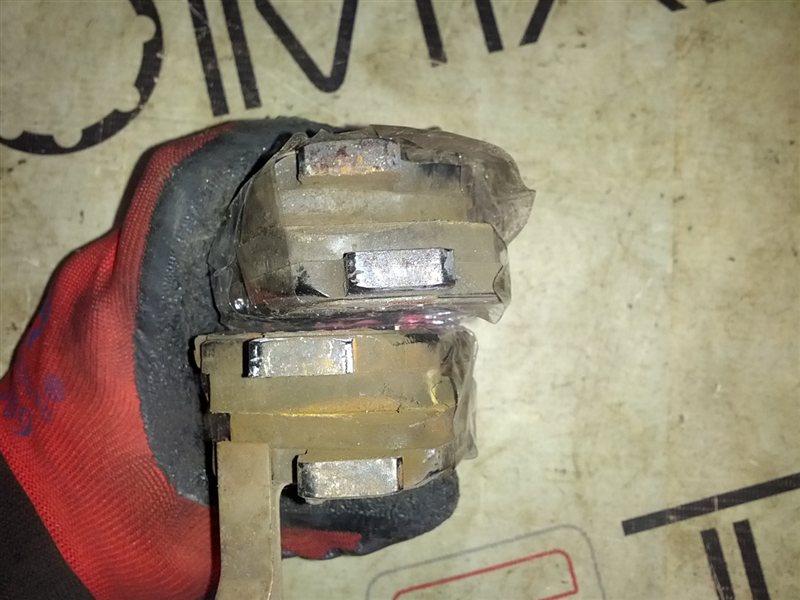 Тормозные колодки Honda Civic EU3 переднее (б/у)