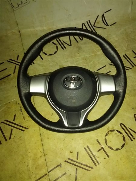 Руль с airbag Toyota Ractis NSP120 1NR-FE 2011 (б/у)