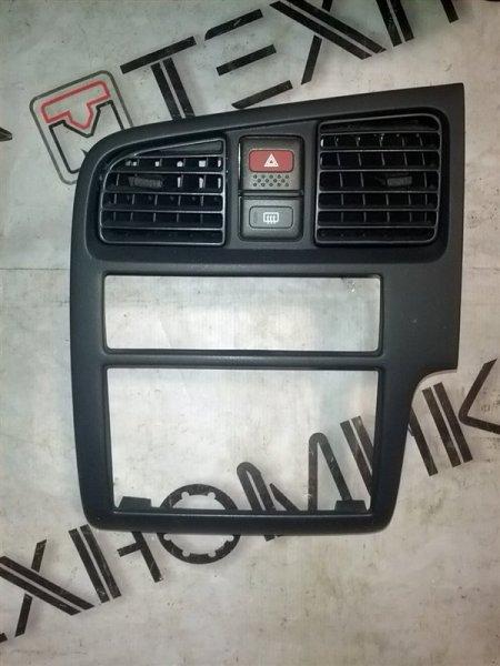 Рамка магнитофона Nissan Primera Camino P11 SR18(DE) 1996 (б/у)
