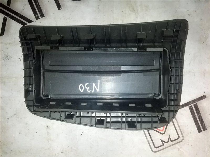 Крышка airbag Nissan Rnessa N30 SR20(DE) 1999 (б/у)