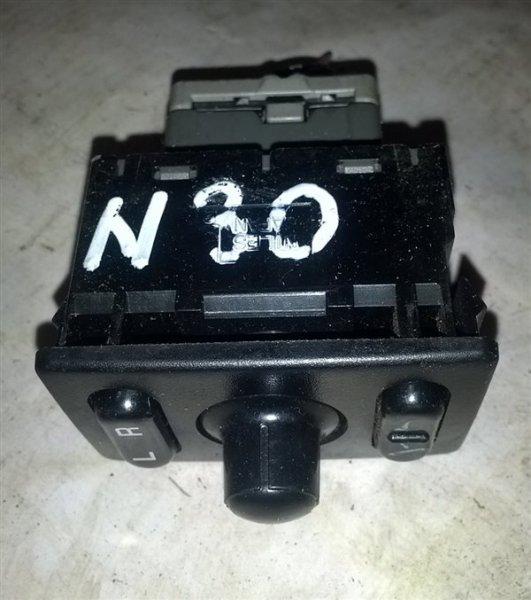 Блок управления зеркалами Nissan Rnessa N30 SR20(DE) 1999 (б/у)