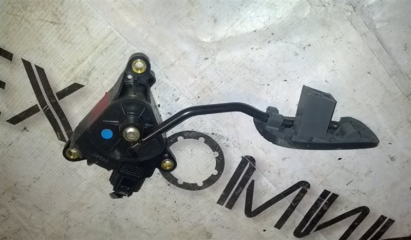 Педаль подачи топлива Nissan March AK12 CR12(DE) (б/у)