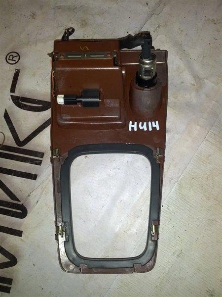 Рамка рычага переключателя автомата Nissan Bluebird HU14 SR20(DE) 1999 (б/у)
