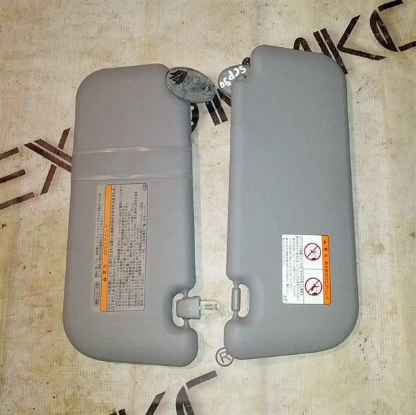 Козырек солнцезащитный Toyota Vitz SCP90 2SZ-FE 2007 (б/у)
