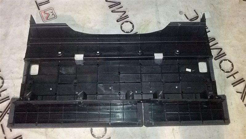 Пол багажника пластик Nissan Primera WTP12 QR20(DE) 2002 (б/у)