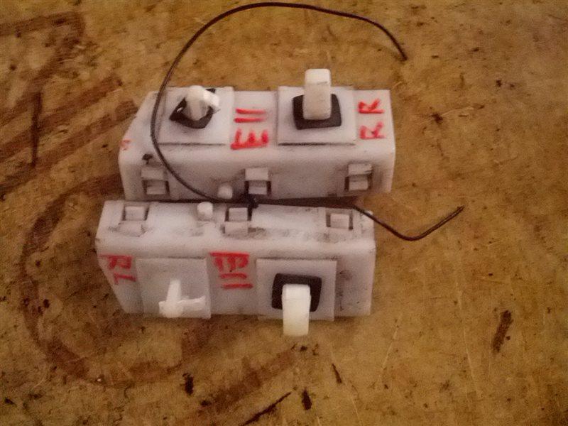 Крепление бампера Nissan Note E11 HR15(DE) заднее (б/у)