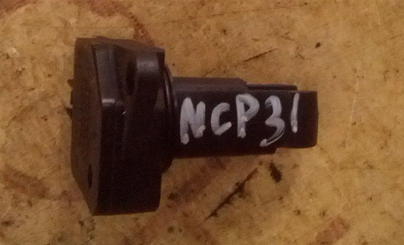 Расходомер воздушный Toyota Bb NCP31 1NZ-FE (б/у)
