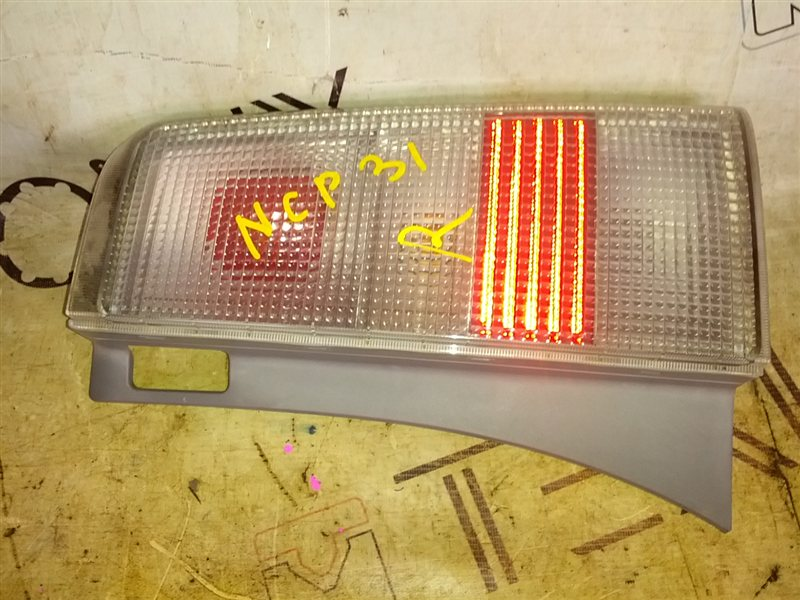 Стоп-сигнал Toyota Bb NCP31 1NZ-FE 2001 правый (б/у)