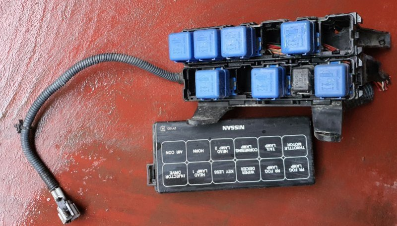 Блок предохранителей Nissan Cefiro A33 VQ20(DE) (б/у)