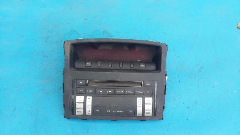 Панель магнитолы Mitsubishi Pajero 4 2006 (б/у)