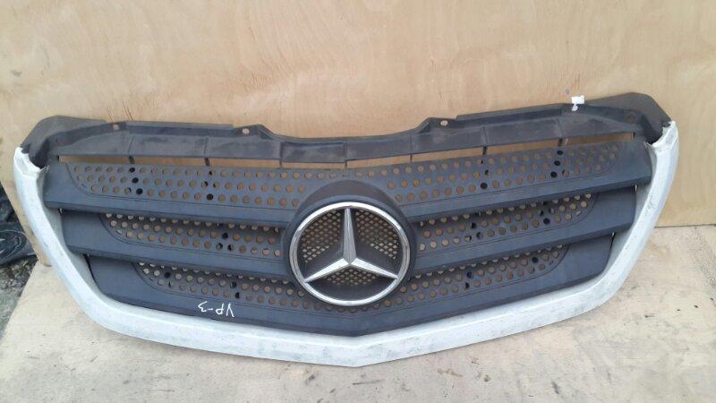 Решетка радиатора Mercedes-Benz Sprinter 2014 (б/у)